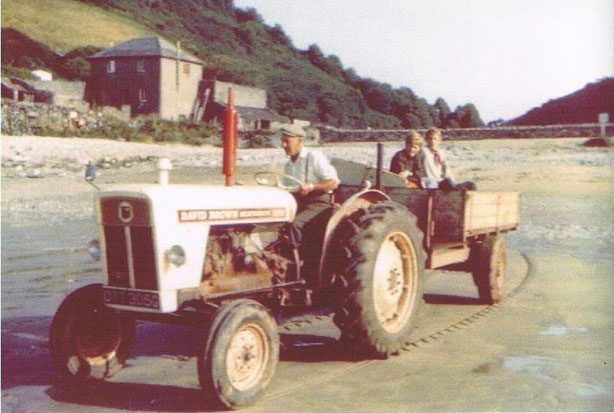 Lannacombe Jock Gordon collecting sand 1972