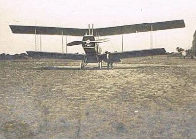 Unknown aircraft type, with short lower wings at East Prawle Airfield WWI