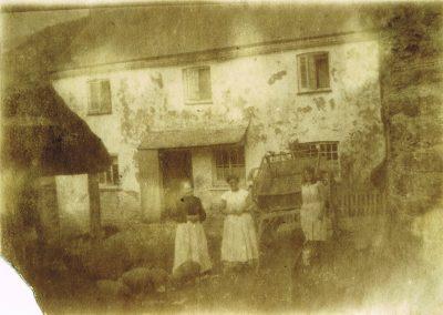 Town Farm, Frances Ann Tucker, Blanche Tucker and Mrs Jane Way, circa 1912