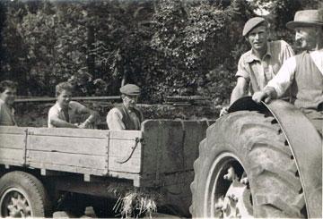 Sid Trout driving, Bert Farleigh, William Pengelly, Brian Crispin, Brian Kelland
