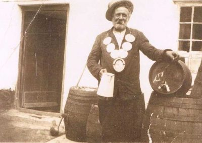 """Philip Putt (carpenter and wheelwright) Mrs Ford's father, Elwin and Ashley's grandfather as """"Lord Mayor"""" of Prawle, Providence Inn 1932"""