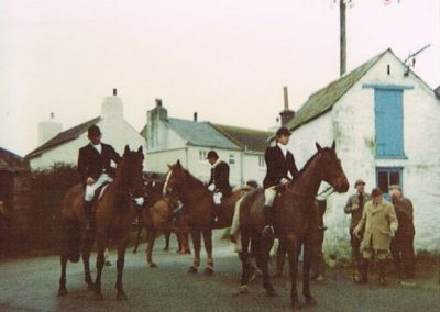 The hunt meeting outside the Providence Inn, January 1981