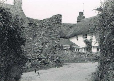 The Thatches, originally known as Rose Cottage, bought by Phil Putt, Ella Ford's father, Town Hill.