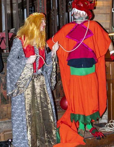 The fair maiden captures the Dragon
